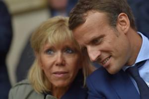 Macron e sua moglie Brigitte