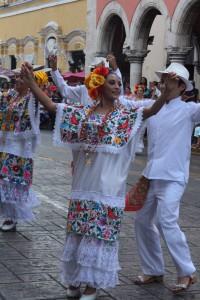 L'Harana, il ballo tipico, la domenica a Mérida