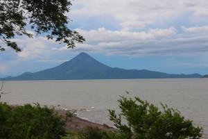 Il Vulcano Momotombo vicino a leon