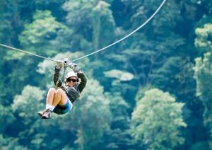 Il Canopy o Zip-Line è un'esperienza irrinunciabile in Costa Rica. Foto Sky Adventures