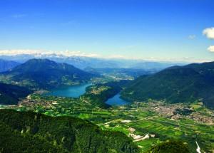 1 Lago di Caldonazzo sinistra e Lago di Levico destra - foto APT Valsugana copia