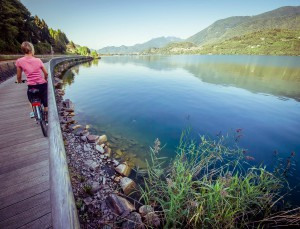 20 ciclabile della Valsugana sul Lago di Caldonazzo - foto StoryTravelers copia