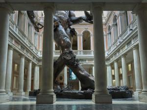 62769-Damien_Hirst_Palazzo_Grassi_Atrium