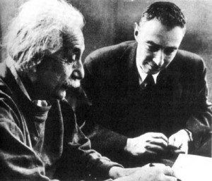 Einstein e Oppenheimer