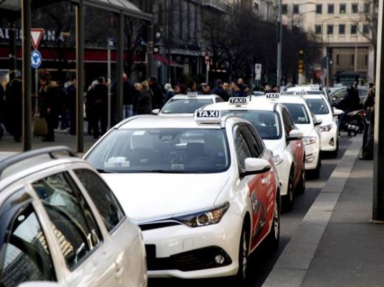 Taxi (LaPresse)